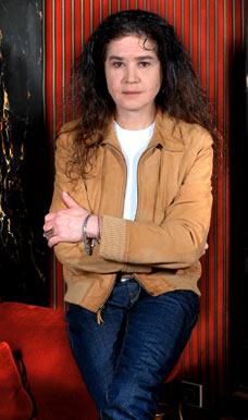 Maria Schneider já tinha acusado o diretor do filme muitos anos antes, mas o caso só ganhou repercussão quando Bertolucci admitiu o estupro.